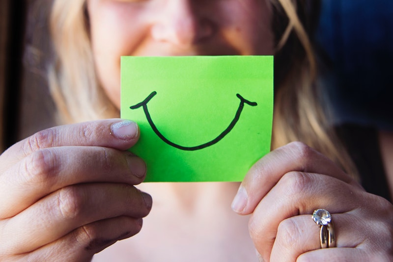 smile-sticky-note