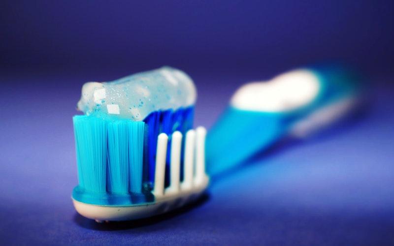 tooth brush, prevent gum disease, Darlene Sand Wall DMD, dentistry